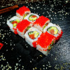 Ролл Калифорния с Лососем Xoma Sushi